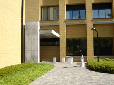 青山学院大学 相模原キャンパス O棟入口
